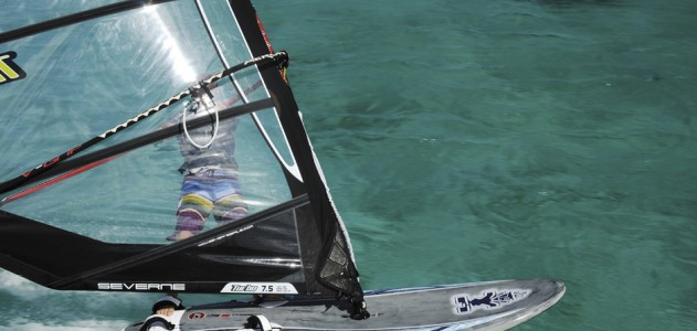 Starboard Futura 121 2012 action