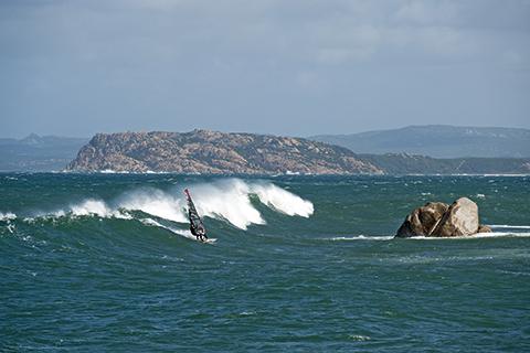 Windsurfen in Vignola Mare