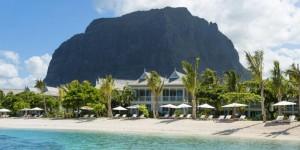 2_StRegis_Mauritius_LeMorne_Hotel_Beach_800x450