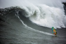 Jason Polakow windsurfs huge Nazare, Portugal on Februar 02, 2016