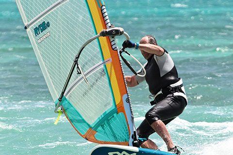 Windsurf MagazinePETER HART - CARVE GYBING - THE POWER AND