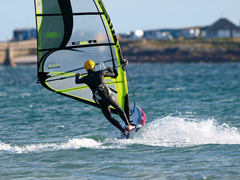 Windsurf MagazinePETER HART - SMALL BUT PERFECTLY INFORMED