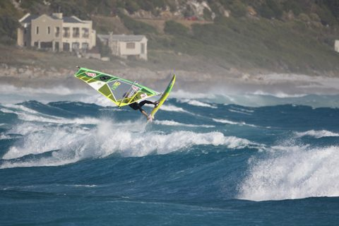 2-Alessio_by_Arno_Ufen-Fanatic Jumps Witsands_0570