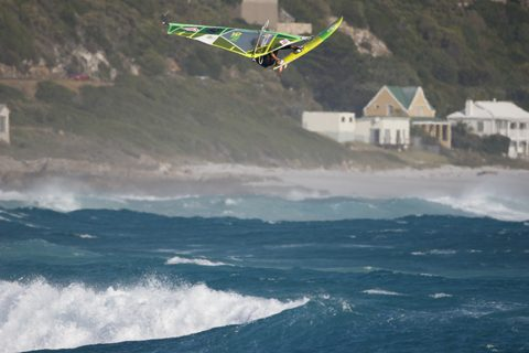 5-Alessio_by_Arno_Ufen-Fanatic Jumps Witsands_0581