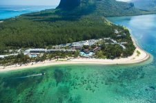 1_Mauritius_luxury_all_inclusive_Le_Morne_windsurf_kitesurf_hotel_aerial_view_800x533