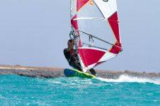 2_Cape_Verdes_Sal_Windsurf_Kitesurf_Holiday_Centre_Windsurfer3_800x533