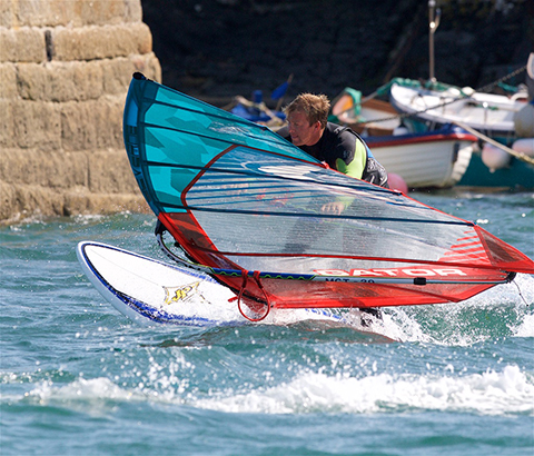 Coverack Windsurfing 03 480px.