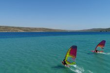 3_Alacati_Turkey_Sportif_Windsurf_clinic_Simon_Winkley_sailing_area_flat_water