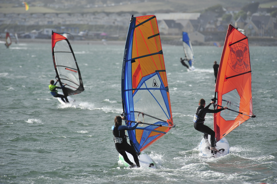 RYA KNOWLEDGE | GET HOOKED ON WINDSURFING!