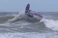 COLD HAWAII WINDSURFING