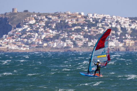 Click to Enlarge - Wild foiling conditions in Costa Brava