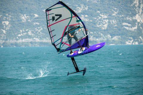 Foilstyler in Lake Garda