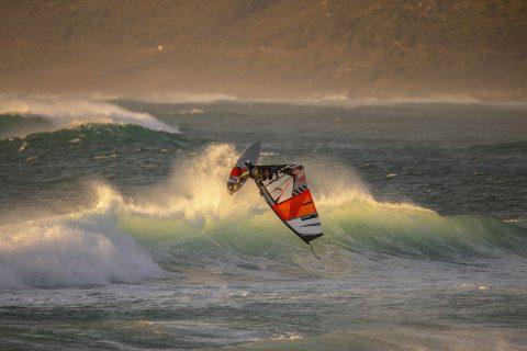 Goiter in Cape Town:  Photo John Carter