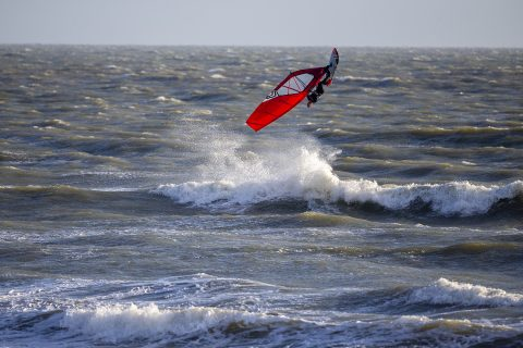 Timo Mullen flying high during the evening session!