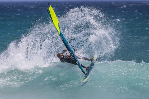 Alessio carving hard in Cape Town!