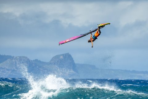 Classic one handed table top from Robby Naish Photo Fish Bowl Diaries