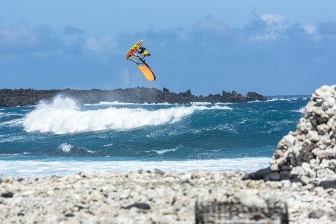 Ricardo flying high in Maui