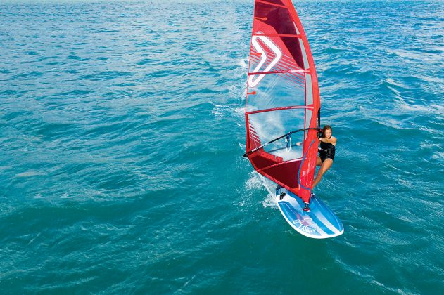 Starboard-Windsurfing-2021-Carve-Emma Houssier_Aeroworx_Guadeloupe_01