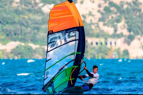 Screenshot_2021-04-10 i-99 Cesare Cantagalli Windsurf Sails Collection